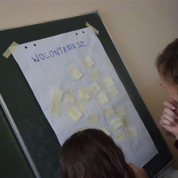 Aktywni młodzi wolontariusze