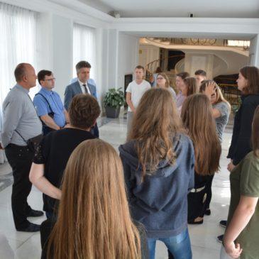 Młodzież z Caritas w polskim parlamencie